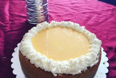 Apfel Calvados Torte mit Eierlikör und Sahne